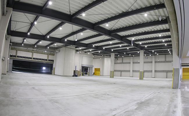 新築倉庫 フロア